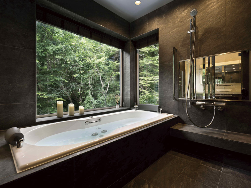 ひとり籠り瞑想にふける 別荘の湯